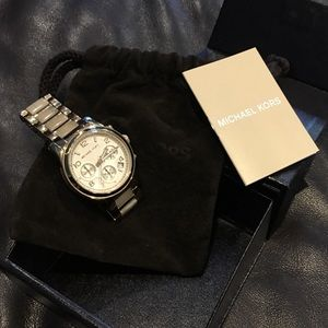 Authentic Michael Kors runway watch MK5660